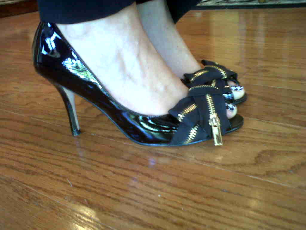 Zipper Bow Peep Toe Pumps from Cincy Designer Shoes