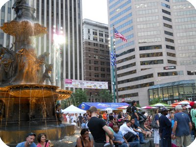 Cincinnati_Fountain_Square_Indie_Summers_June_Event_2011_2